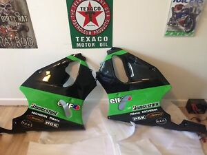Zx7r ninja  brand new fairing side panels