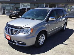 2015 Chrysler Town & Country Limited | DVD/Bluray | Sunroof | He