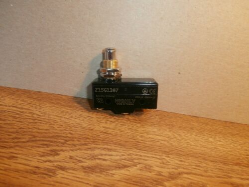 Z15G1307  Hvy Duty SPDT Snap Action Plunger Micro-switch Philmore 30-1307B,NEW