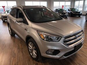 2017 Ford Escape Titanium 4WD (s-roof/Nav/heated steering wheel)