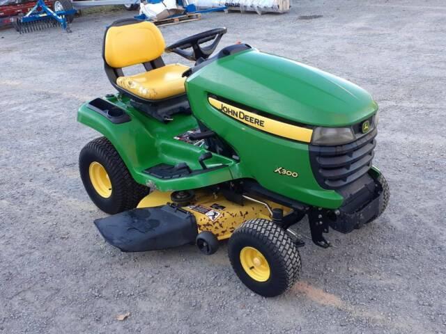 john deere x300 commercial 42 inch ride on lawn mower