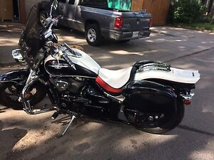 2009 Suzuki M50 with custom seat and. Mint condition