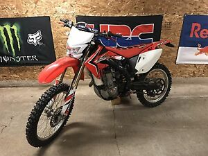 05 crf 450x with blue papers