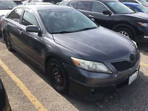2010 Toyota Camry SE Fully Loaded with Leather/Roof
