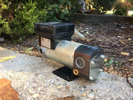 Diesel/fluid transfer pump
