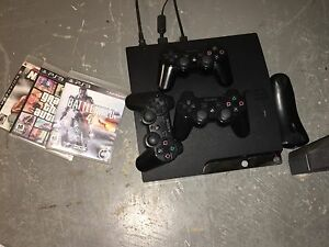 PS3 - 3 controllers, 3 Games