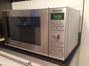 Panasonic Microwave Nn Sd271s Spare Or Repair Mint Condition