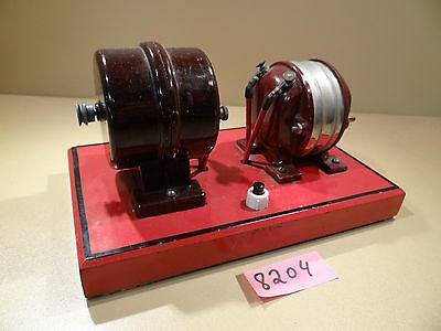 Antiken Bakelit Antriebsmotor 2-4 V mit Transformator 220 V / Dampfmaschine
