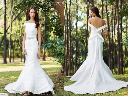 729f5d7d276 Try on Service- Off Shoulder Mermaid Wedding Dress W7461