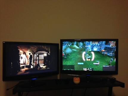 Gaming PC with two monitors