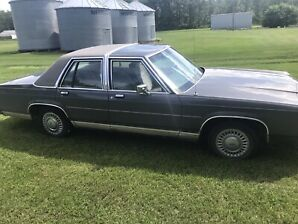 1989 ford crown vic