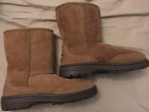 Uggs Men's boots size 8