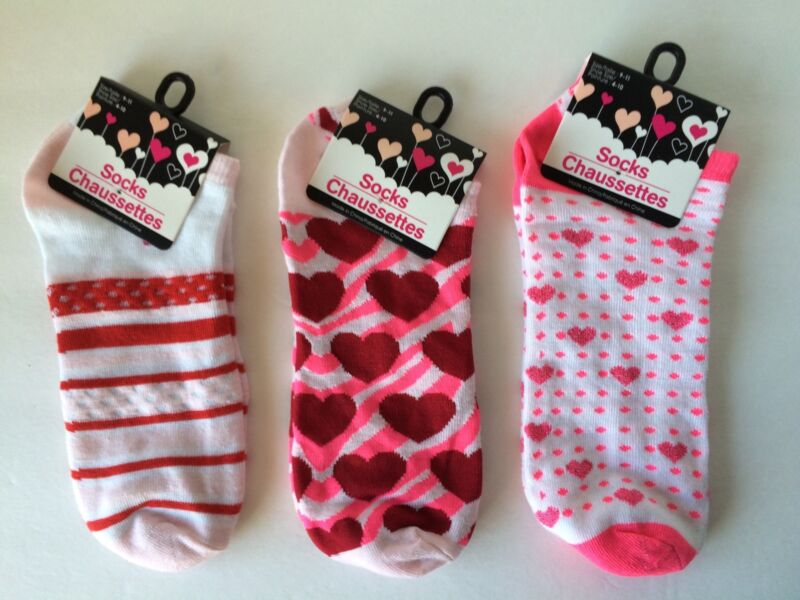 Hearts  Socks Valentines Three Pair Size 9-11 NWT Pink Red