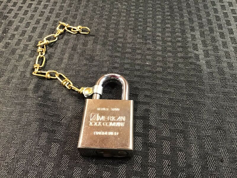 American Lock A5200KASBCWR2L17 Padlock W/ Chain R2 Keyway Signal Like Keyed Alik