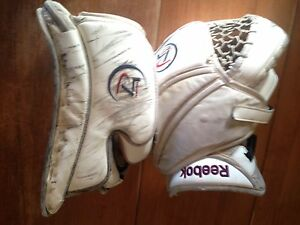 Reebok Premier 4 Goalie Gloves Kitchener / Waterloo Kitchener Area image 6