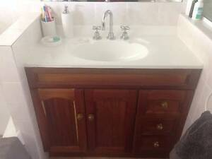 Timber bathroom vanity other home garden gumtree for Bathroom cabinets gumtree