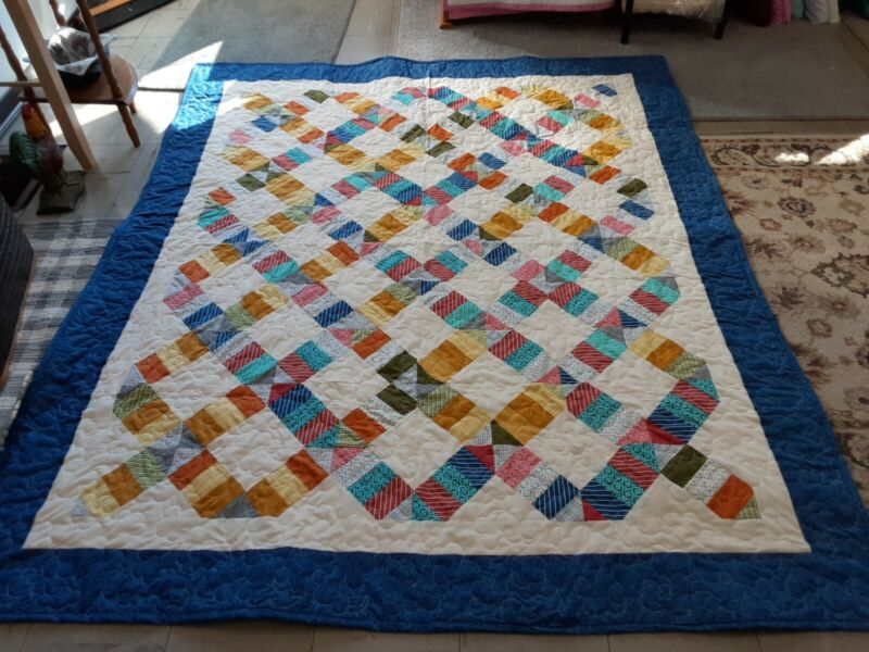 HANDMADE PIECED QUILT 100% COTTON PRPOFESSIONALLY QUILTED