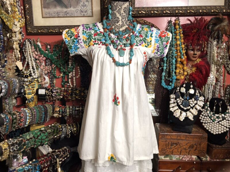 Beautiful Vintage Oaxacan Mexican White Blouse With Multi Colored Embroidery M