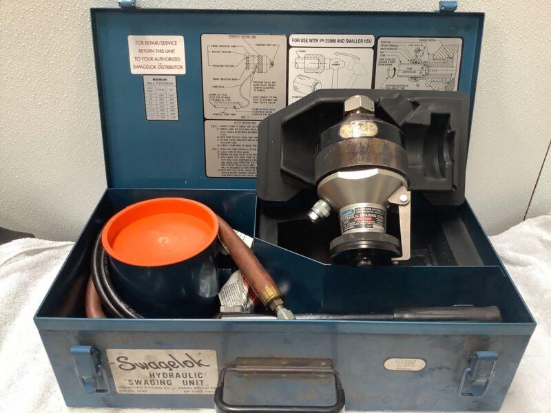 "Swaglok 1"" Hydraulic Swaging Tool. Series 1610."