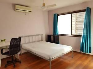 Newly renovated Sunnybank master room - air con, garage