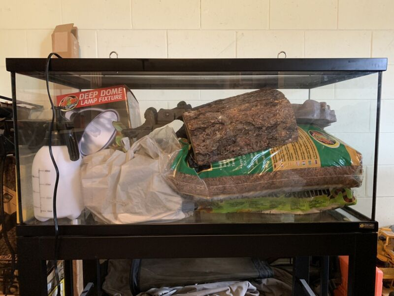 Zoo Med 40 gallon reptile tank with stand