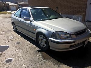 1998 Honda Civic si coupe. 5 spd 2nd owner car great shape!