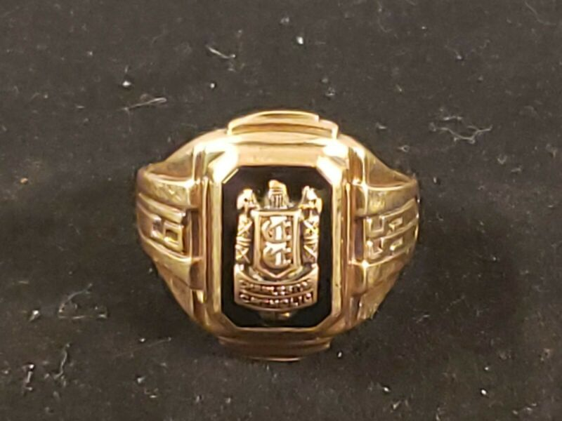 VINTAGE 1955 CHARLESTON CATHOLIC HIGH SCHOOL 10K GOLD CLASS RING 8.8 GRAMS
