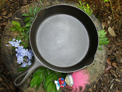 8 GRISWOLD Cast Iron Skillet Early Handle  ~ Excellent - Flat - Clean