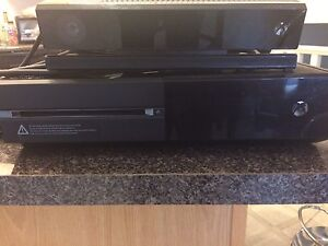 Xbox One Works perfectly 2 controllers First $130 takes it