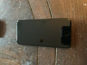 Beautiful iPhone 7 jet black with extras $350 OBO