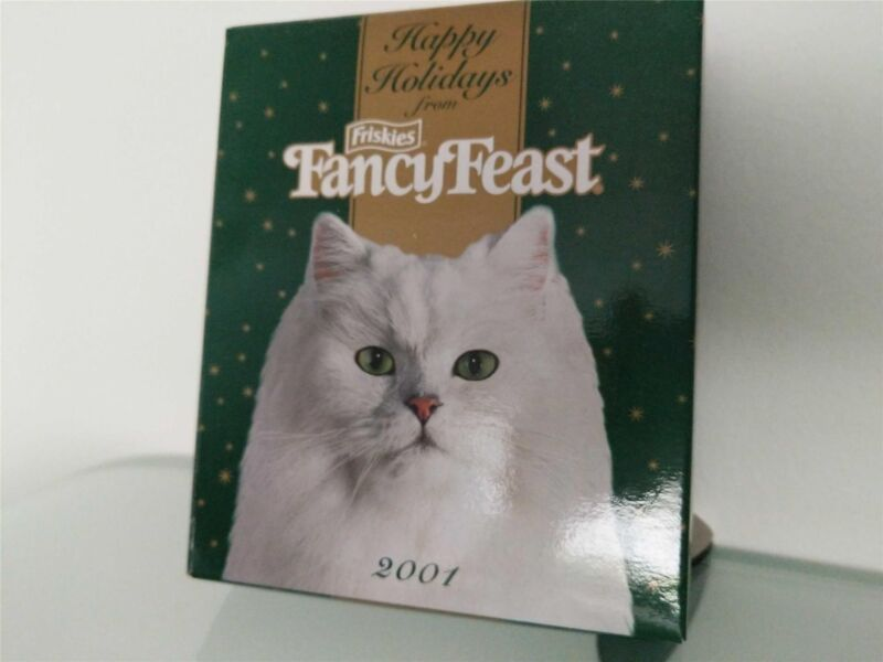 2001 FANCY FEAST HAPPY HOLIDAYS CAT ORNAMENT MINT IN ORIGINAL BOX NEVER USED