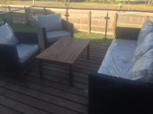 Solid Wood Outdoor Patio Set (BRAND NEW)