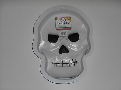 New CK PRODUCTS Skull Halloween Stone Cold Pantastic Plastic Party Cake Pan - Halloween Skull Cake Pan
