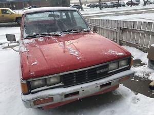 1987 Nissan datsun king cab dual exuast