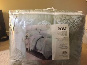 Brand new, King Size bed set. Comforter included