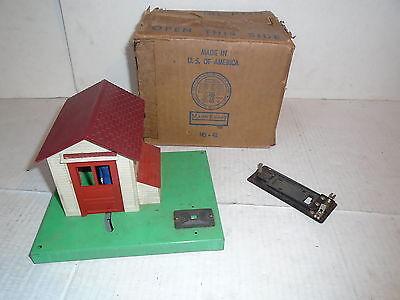 Vintage Lionel Trains No  145   42 Automatic Gateman House W Original Box Works
