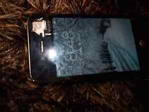 iphone 4s screen cracked Mount Lewis Bankstown Area Preview