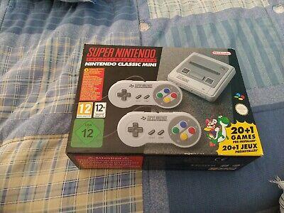 Nintendo Classic Mini: Super Entertainment System e 2 Controller - Grigio (2400…