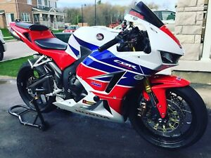 Brand new 2015 CBR600RR OEM Fairings less than 200km on them