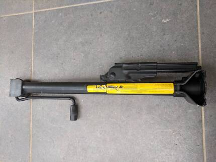 BMW E36 Car Jack in Very Good Condition