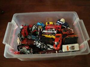 Crate of assorted Matchbox cars