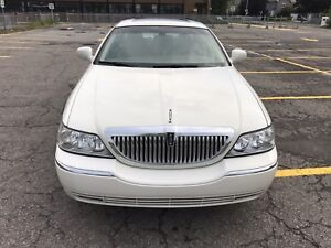 2003 Lincoln Town Car in Excellent condition with LOW MILES