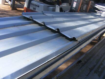 ROOFING.IRON  TRIM DECK ZINK G/C,  1 MT TO  5 MT LONG   ,