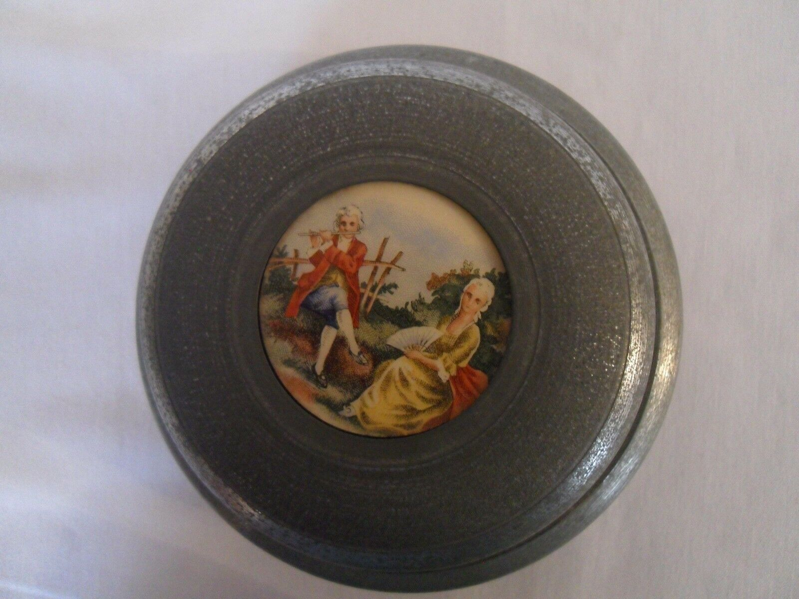ANTIQUE FRENCH ARISTO MUSIX BOX WITH CAMEO FRAGONARG DECOR - $86.00
