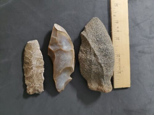 Lot of 3 Native American Arrowheads/Artifacts