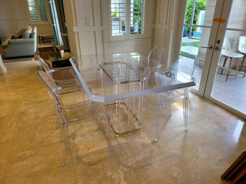 CHARLES HOLLIS JONES LUCITE DINING TABLE AND 4 GHOST CHAIRS