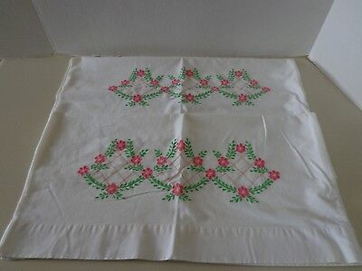 Set of 2 Vintage White Cotton Linen Pillowcases Crochet Lace Embroidered Flowers Pillowcase