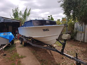 17 ft fishing boat. Great project Hilton West Torrens Area Preview