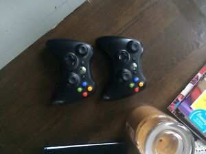 Xbox 360, 2 controllers, n games