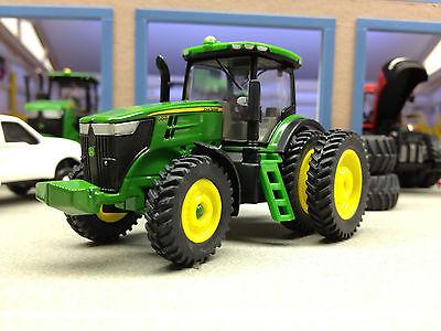 1/64 ERTL JOHN DEERE 7215R 4WD TRACTOR